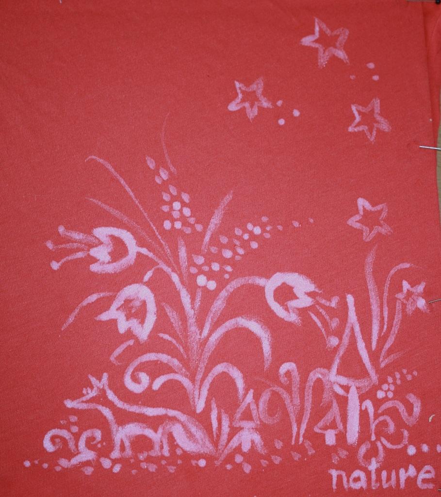 Stoffmalerei auf T-Shirt (Acrylfarbe)